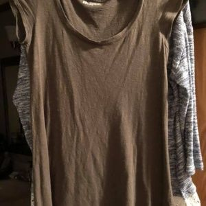 Ladies olive green flowy top